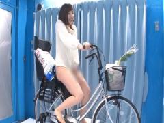 人妻さん、MM号でアクメバイクに試乗しながらイクwwww