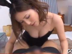 バニーガール 巨乳バニーガールが勃起チンポをフェラして騎乗位セックス!