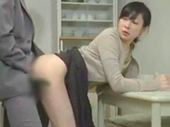 妻が妊娠中の隣人と隙あらば…何度もNTRファックで交わる淫乱熟女