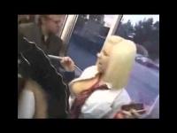 必死に抵抗してくる金髪の留学生JKをバスで痴漢