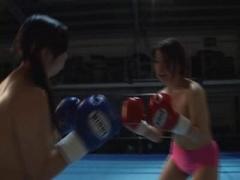 キャットファイト 女子トップレスボクシング! deLUSION! 裏ボクシングチャ...