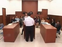 透明人間と美女 法廷で透明人間に犯されながら質問を続ける美人弁護士!