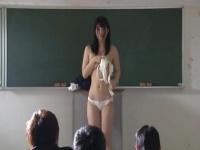 レイプ動画 肉便器調教される女子校生! 残酷なイジメ学級。