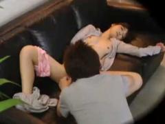眠る女性のおっぱい出してパンツも下ろしクンニ! 気持ちよさそうに寝てる