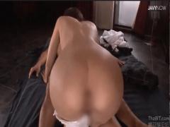 激カワ美尻な全裸メイドが勃起したらすぐ駆けつけて性処理してくれる