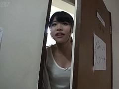 出張マジックミラー号! ! なんと現役女子大生が住む大学の女子寮に突撃訪...