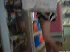 盗撮 ミニスカート 美脚とパンチラ