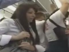 満員通勤電車で痴漢レイプされるOL動画