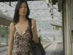 ヘンリー塚本 温泉不倫旅行、バス停で一発、旅館でまた一発、何度も求めあ...