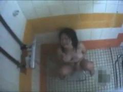 覗き見マジおな 素人お姉さんが風呂場でマジオナニー