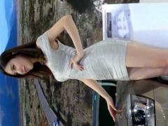 ボディラインくっきりの超ミニスカで一際目立つ美しすぎるキャンギャル