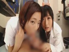 おチンポ入れたいよぉ  性欲の強い歯科衛生士二人が治療中にムラムラして...