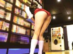ネカフェに行ったら美女店員がブルマ! ムラムラしながら個室でAV観てたら...