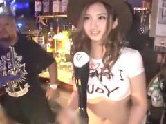 痴女ギャル泥酔 バーで見つけたヤリマンビッチがマジヤベェw ここでしちゃおっ  爆乳&巨尻露出し即ハメ➡膣射OK輪姦w
