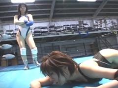 プロレス フェチ 豊満な女性プロレスラー2人が汗だくになりながらひたすら...