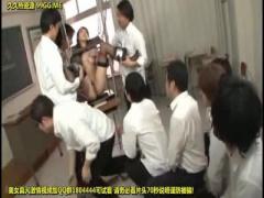 中出し肉便器担任に任命されてしまった女教師が拘束されて生徒達に電マ責...