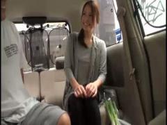 あん29歳セレブ系素人妻。買い物帰りの超美形なS級若妻をナンパして車内で...