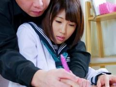 巨乳女子校生に勉強を教える家庭教師、生徒の肉体を弄ぶ映像を隠し撮り