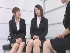 痴女OL3人組にナチュラルパンスト足コキ責めされるM男動画