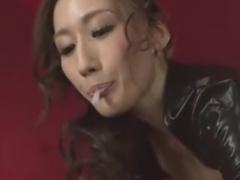 巨乳痴女の手袋手コキ騎乗位で強制射精させられるM男動画