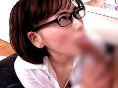 SOD性科学ラボの向坂由佳は久し振りセックスでたじたじで相手を見れないw