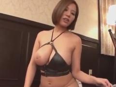 巨乳むっちり痴女の手コキ足コキで強制射精させられるM男動画