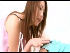 童顔美女の果てしなく吸い付くようなバキュームフェラで失神射精するM男動画