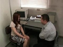 悪徳レンタル自動車事務所が車の修理代を女学生請求し払えないと事務所で...