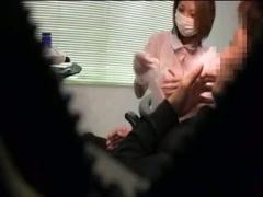 美人歯科医を脅迫してフェラさせた様子を盗撮w