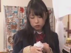 M男を手コキとフェラで大量射精させる痴女JK動画