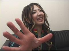 ちょーノリのいいミサちゃんが可愛い関西弁でおちんちんのオナサポしちゃう