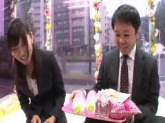 スーツを着たサラリーマンとOLが仕事中に禁断の社内セックス マジックミラー号 MM号動画