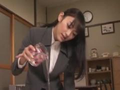 ローションまみれ黒パンスト足コキでM男をいじめるOL痴女動画