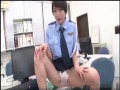 コスプレ 婦警の格好のお姉さんの自慰行為!