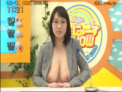 爆乳女子アナがニュース読みながら乳とま〇こを使ってザーメン発射させる...