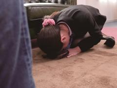 OL×レイプ クレーム謝罪に来たのが学生時代のいじめっ子 客の立場を利用し...
