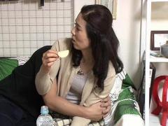 熟女ナンパ 五十路 53歳 の人妻オバサンを部屋に連れ込み中出しセックスに...