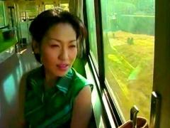 ヘンリー塚本 義父とSEXするためにわざわざ田舎まで電車でやってくる三十...