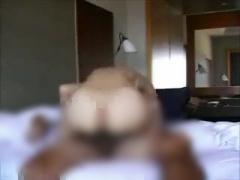 生々しい素人セックス 杭打ちピストンでパンパンいやらしい音を響かせちゃ...