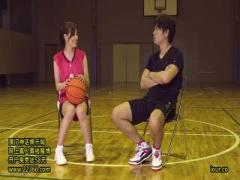 バスケット選手の美女アスリートの大きなGカップのバストセックス