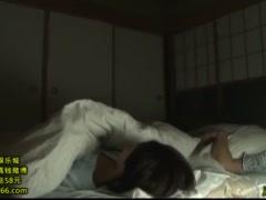 昭和のビデオ コタツから顔出すオマ〇コを舐めクリまわすエロ親父 熟れた...