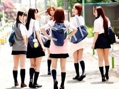 長期の休みでテンションが上がりすぎてしまった可愛い女子校生 JK たち、...