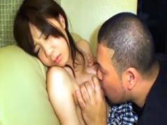 無修正 エロボディな美人妻が剃りこみ男に中出しハメされる映像