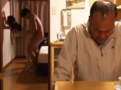 五十路熟女が夫に愛想を尽かして夫の目の前で若い男と浮気SEX
