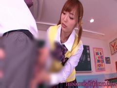 フェラ 可愛いおちんちんだねっ  同級生の男の子のオチンポを優しく扱いた...