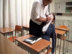 憧れの女教師に告白するも振られてしまった生徒、睡〇薬を使い中出しレイ...