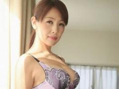 妖艶なフェロモンを持つ美熟女のドキュメンタリー映像、ホテルでハメ撮り...