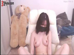 ライブチャットエロ動画 黒マスクを着けた美乳な韓国のチャットレディー