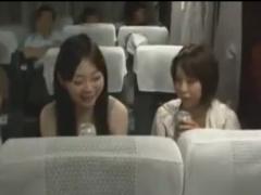 夜行バスで就寝中のお姉さんを夜這いレイプ痴漢動画