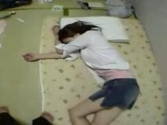 ※個人撮影 泥酔レイプ 酔いつぶれた女の子に鬼畜行為を繰り返す卑猥な映像...